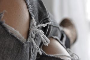 jeansy hole